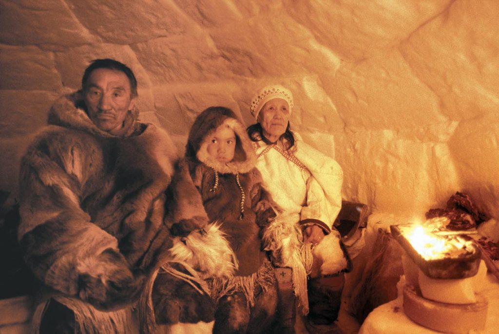 Rencontre avec des peuples autochtones lors de la croisière au Groenland