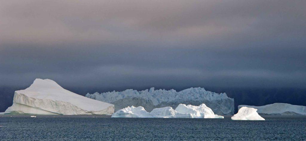 Icebergs au lever du soleil - Grands Espaces