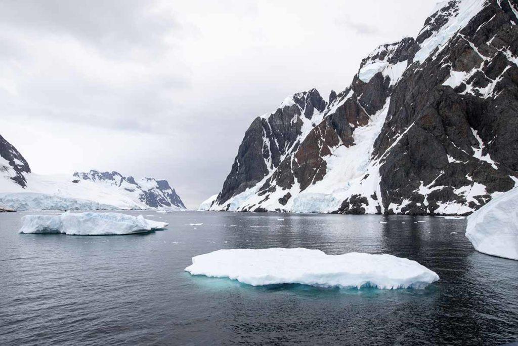 Chenal Lemaire Icebergs - Croisière Antarctique