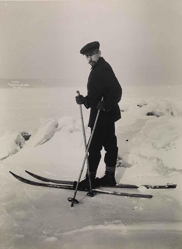 Roald Amundsen à Ski