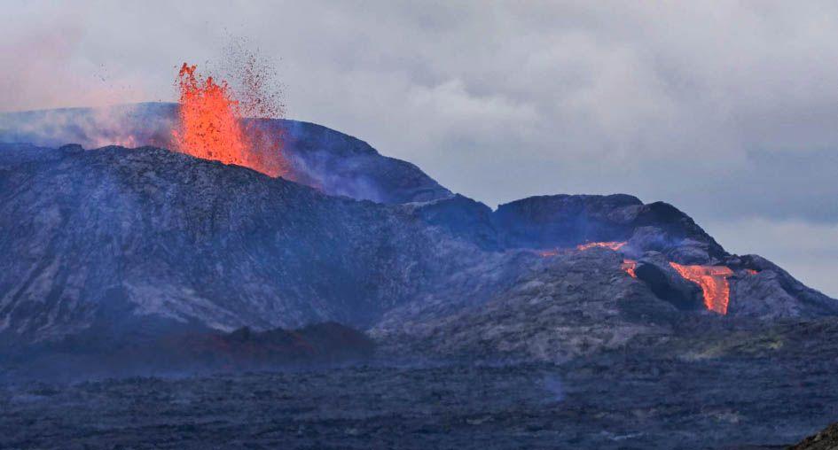 Coulée de lave volcan